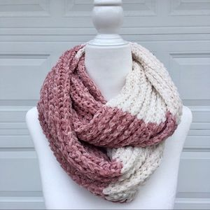 💕 Muave and Cream Infinity Scarf 💕